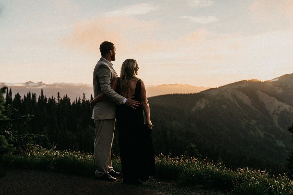 Sunset-Hurricane-Ridge-Engagement