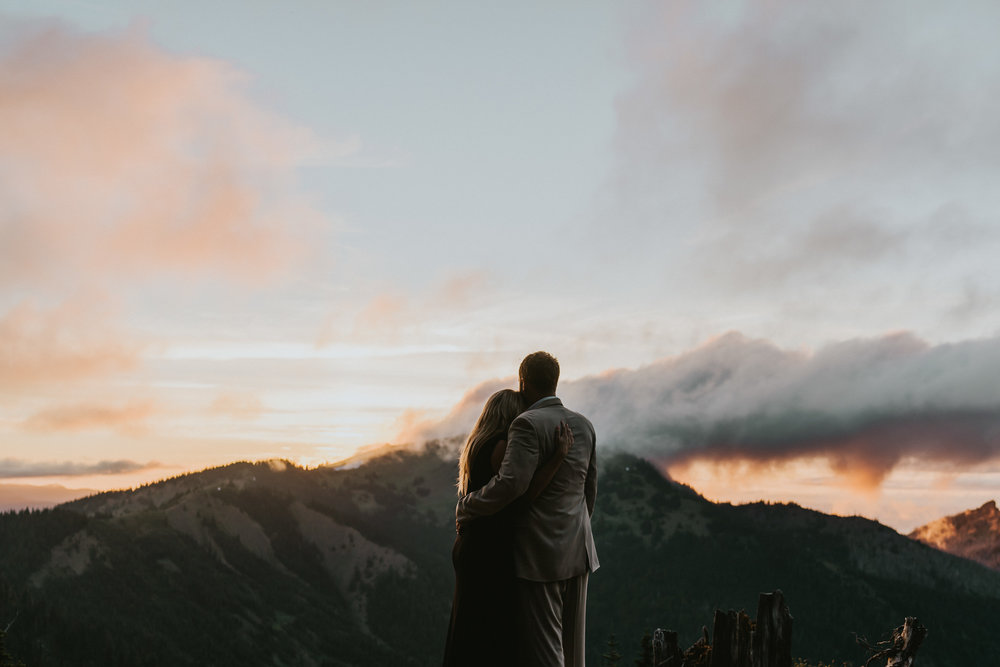 Breathtaking-Hurrican-Ridge-Engagement-Photographer