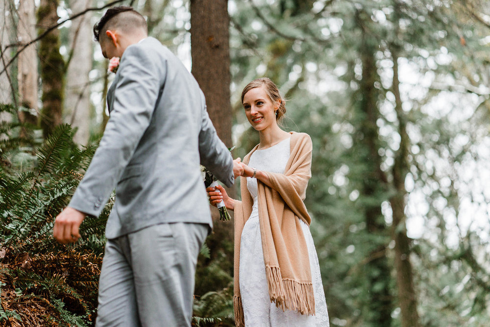 Tacoma-Seattle-Wedding-Elopement-Alfred-Tang-photography-style-me-pretty-30.jpg