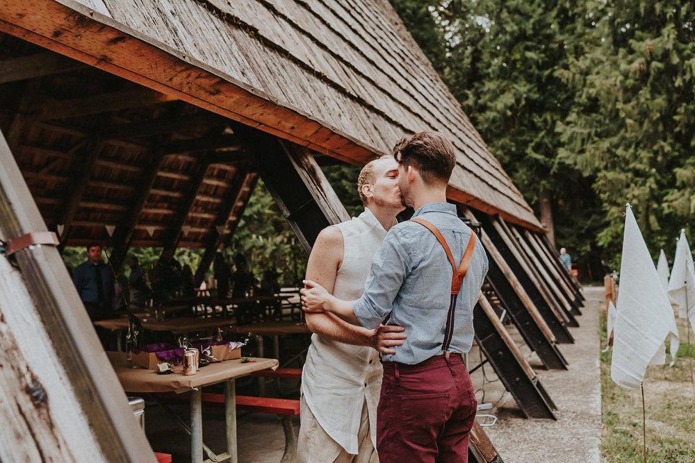 Groom Kissing Wedding Oregon Portland photographer
