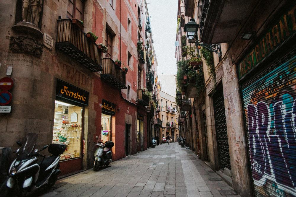 Barcelona-destination-photographer-alfred-tang-21.jpg
