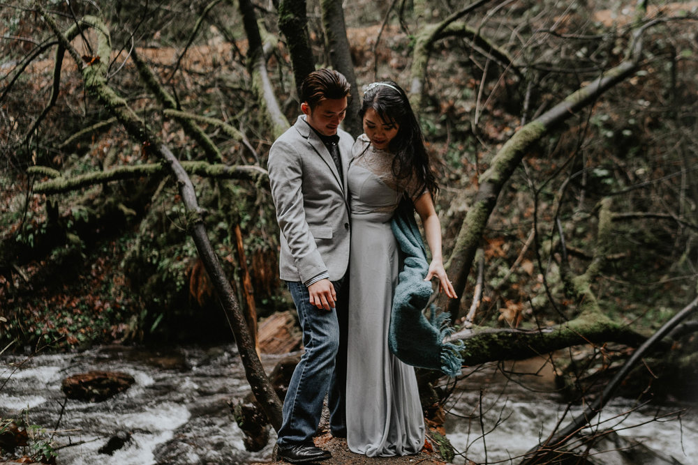 Columbia River Engagement Photographer Alfred Tang