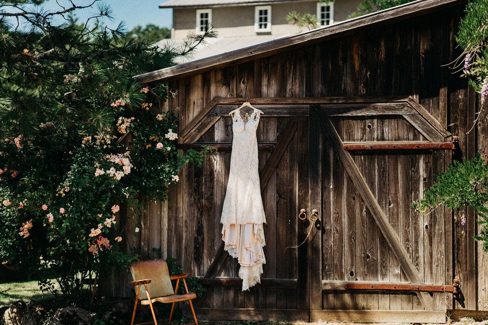 Summerhill-Farms-Portland-Wedding-Photographer-Backyard-Vineyard-10.jpg