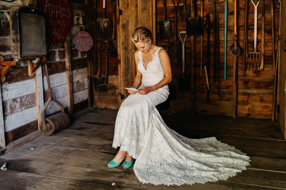 Summerhill-Farms-Portland-Wedding-Photographer-Backyard-Vineyard-21.jpg