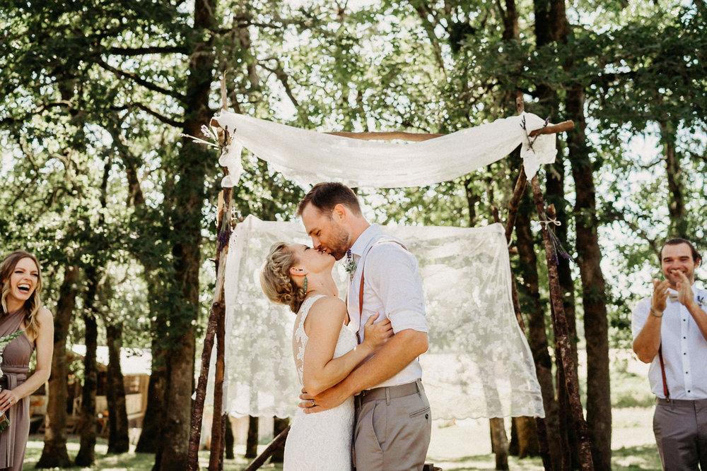Summerhill-Farms-Portland-Wedding-Photographer-Backyard-Vineyard-47.jpg