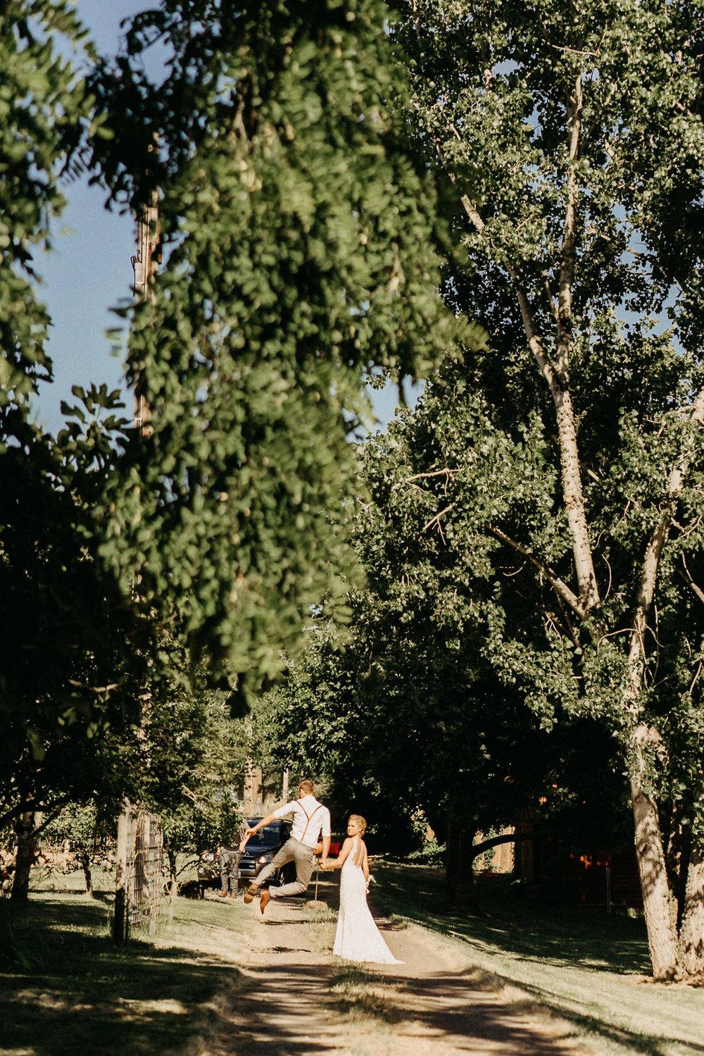 Summerhill-Farms-Portland-Wedding-Photographer-Backyard-Vineyard-54.jpg