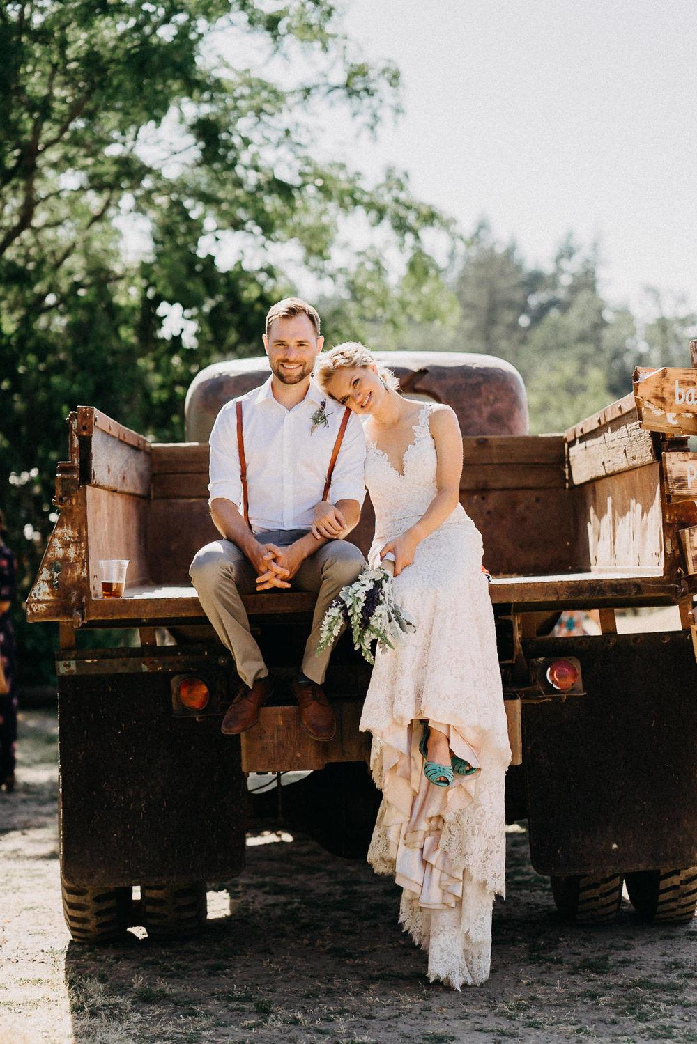 Summerhill-Farms-Portland-Wedding-Photographer-Backyard-Vineyard-56.jpg