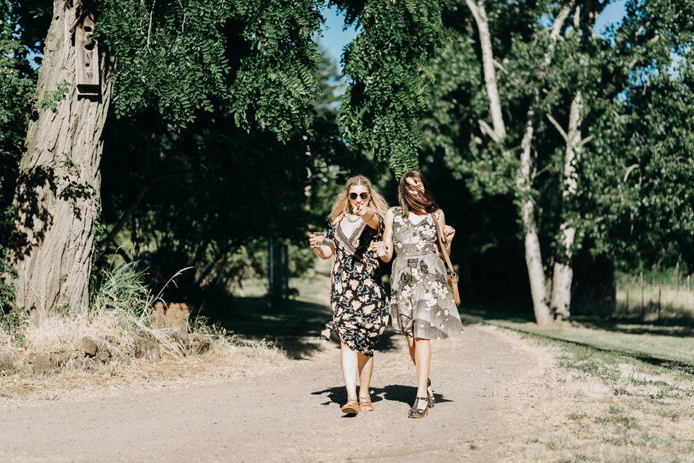 Summerhill-Farms-Portland-Wedding-Photographer-Backyard-Vineyard-63.jpg