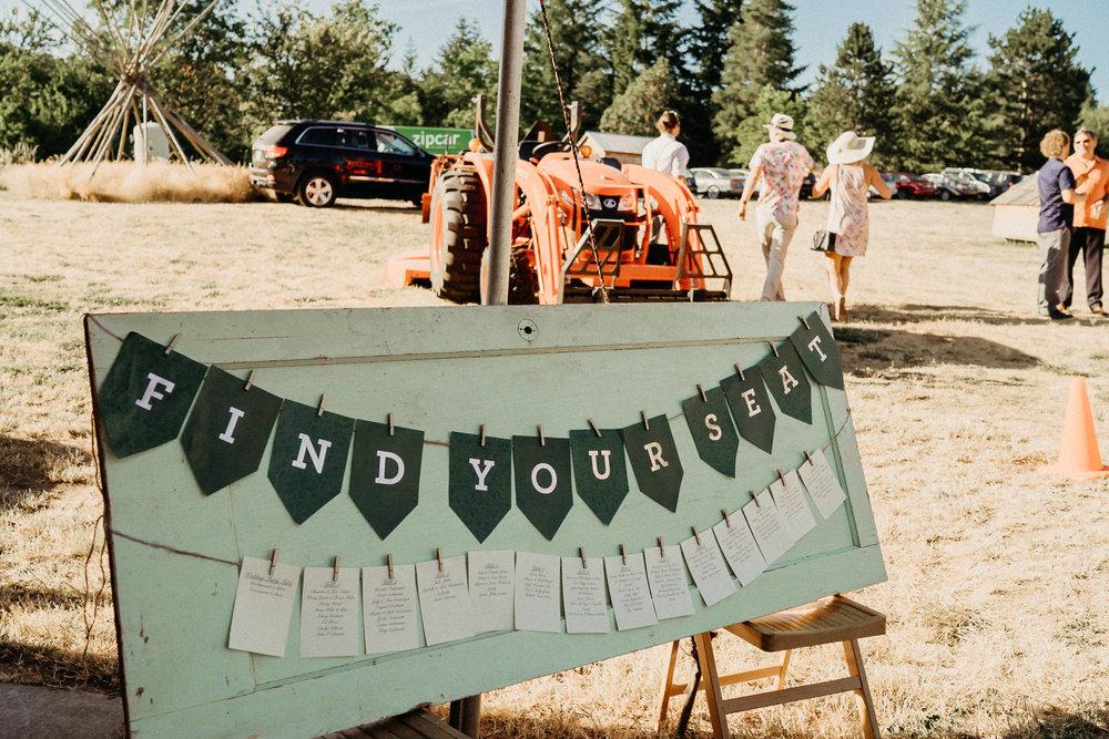 Summerhill-Farms-Portland-Wedding-Photographer-Backyard-Vineyard-71.jpg