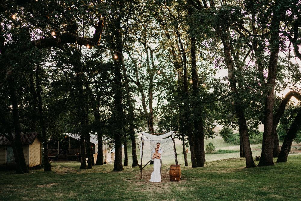 Summerhill-Farms-Portland-Wedding-Photographer-Backyard-Vineyard-93.jpg
