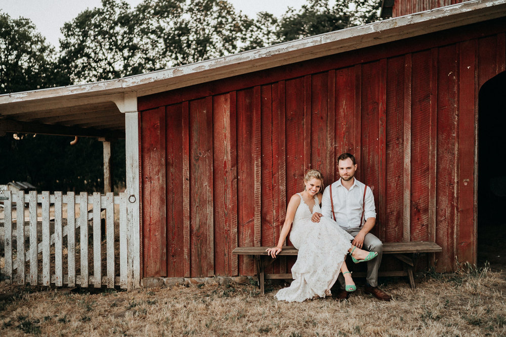 Summerhill-Farms-Portland-Wedding-Photographer-Backyard-Vineyard-91.jpg