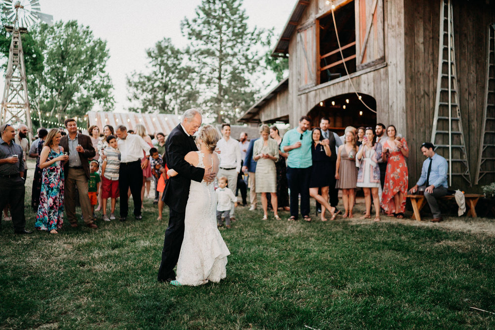Summerhill-Farms-Portland-Wedding-Photographer-Backyard-Vineyard-105.jpg