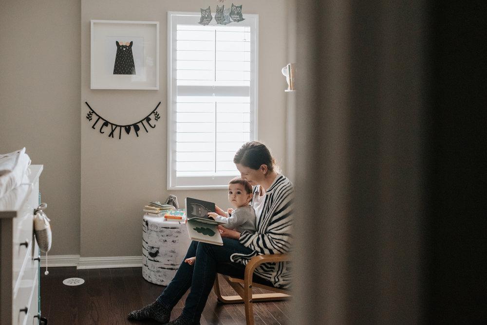 Reading In-home lifestyle family session Hamilton, Niagara-region, GTA