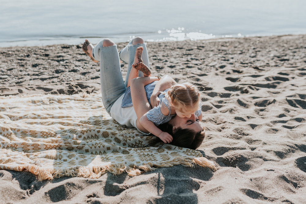 Mother and Daughter blanket beach, lifestyle family photography session, Hamilton, Grimsby, Beamsville, Niagara region 16