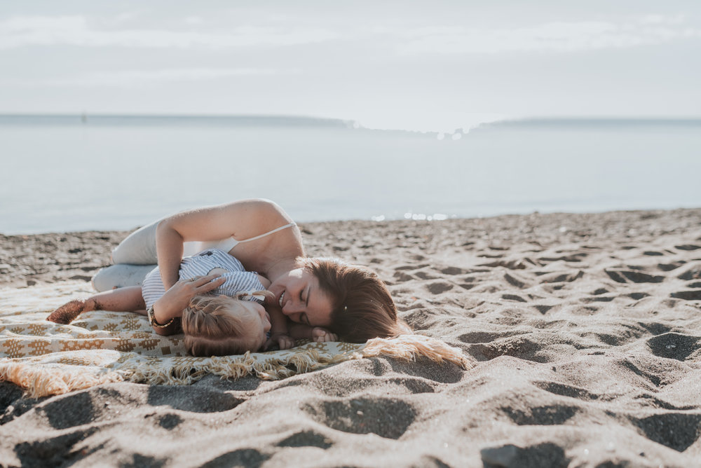 Mother and Daughter blanket beach, lifestyle family photography session, Hamilton, Grimsby, Beamsville, Niagara region 17