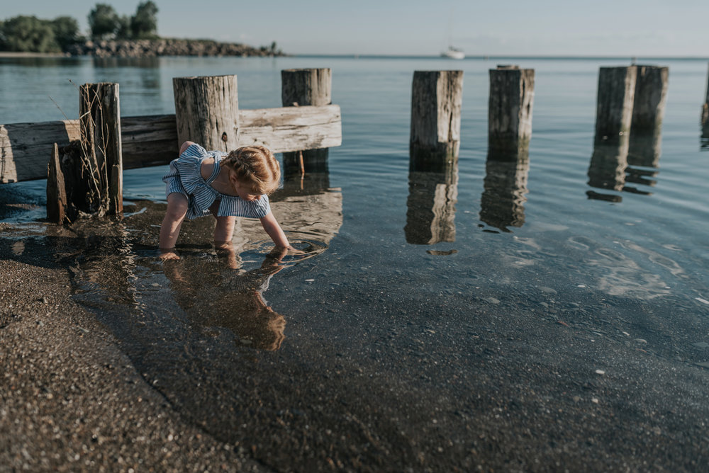 girl lake,  beach lifestyle family photography session, Grimsby, Beamsville, Niagara region 21
