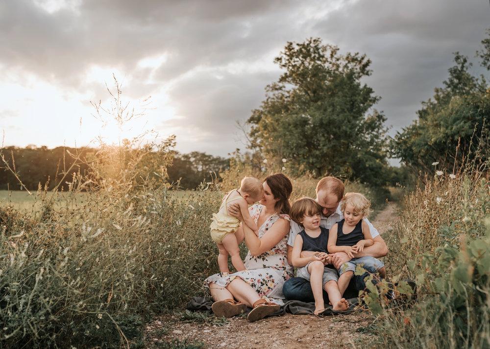 Niagara and Hamilton Family Photographer