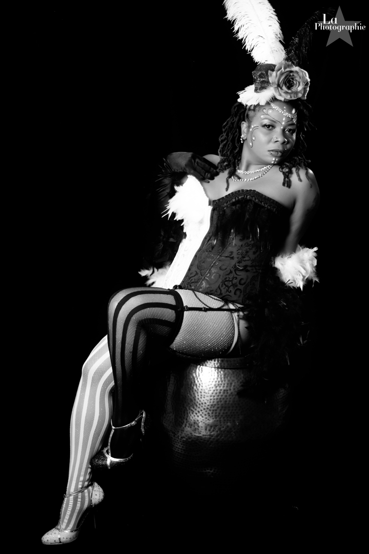 Colorado Burlesque Performer Evangeline Cain 2.jpg