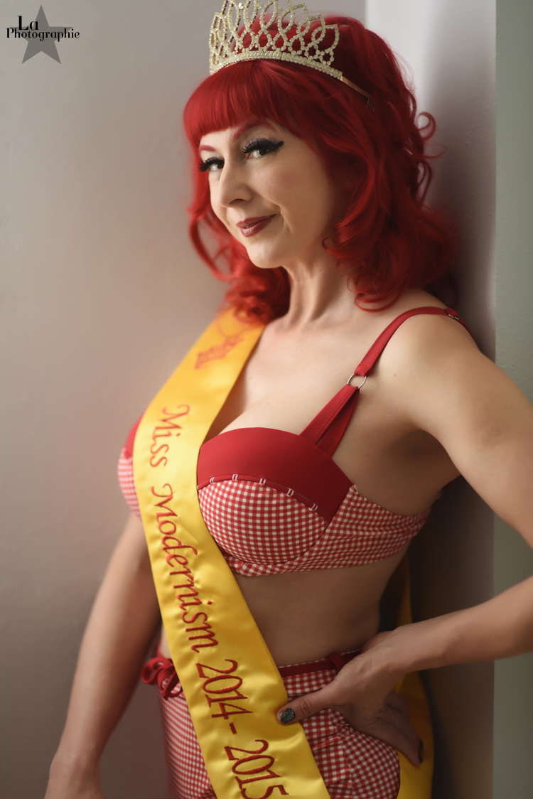 Denver Burlesque Performer Honey Touche 6.jpg