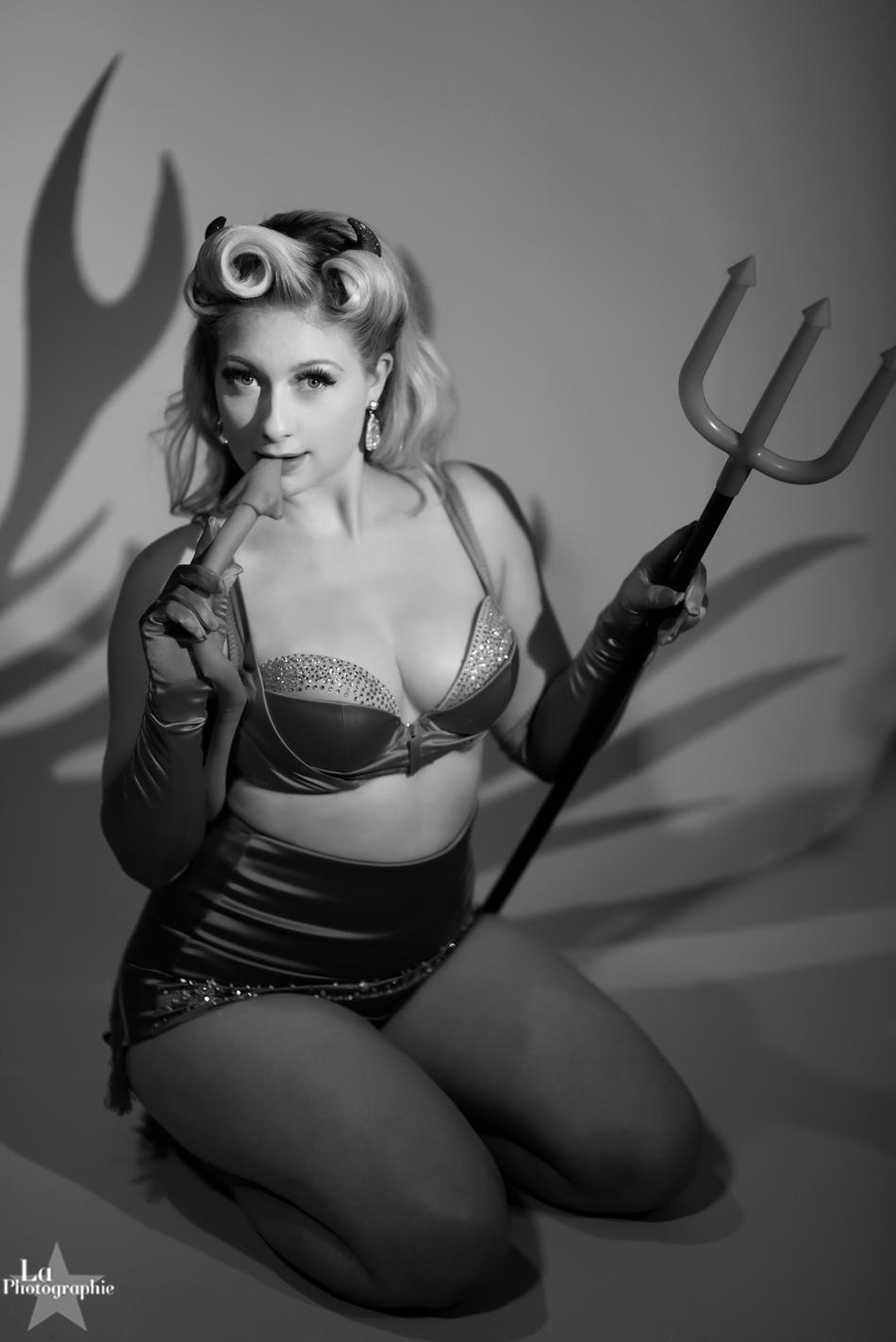 La Photographie Boudoir Halloween Pinup 03.jpg
