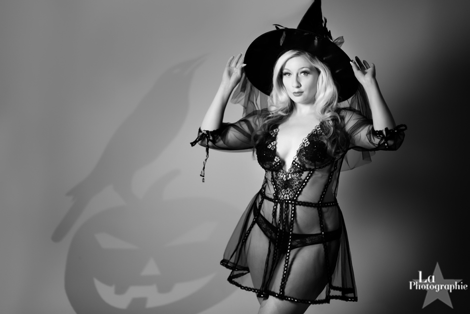 La Photographie Boudoir Halloween Pinup 12.jpg