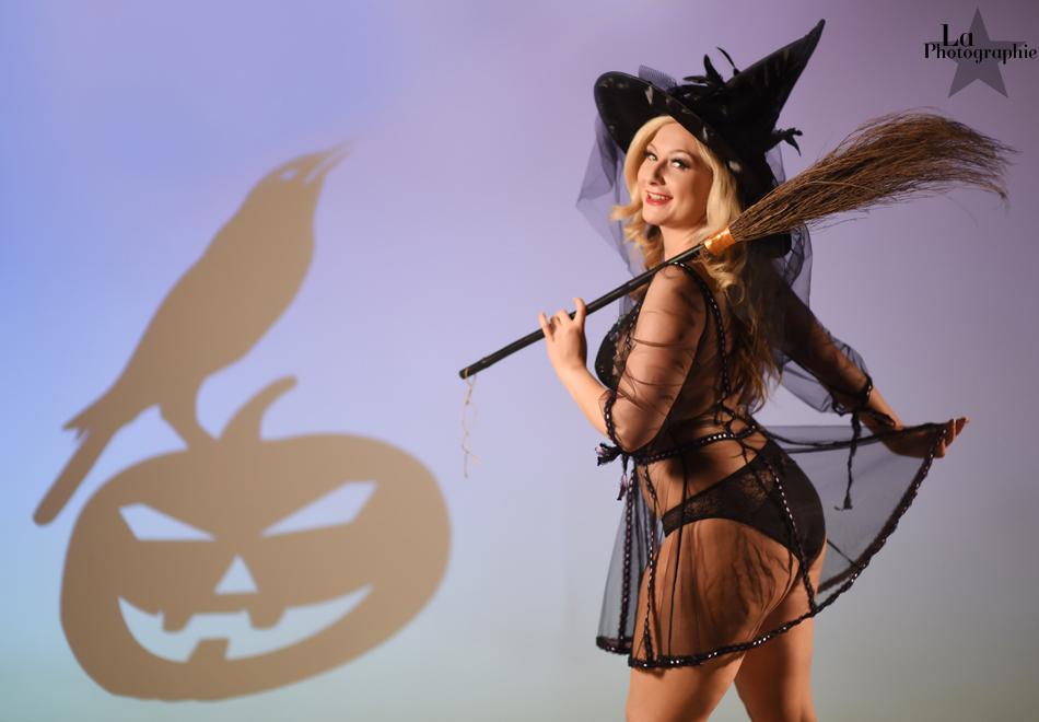 La Photographie Boudoir Halloween Pinup 13.jpg