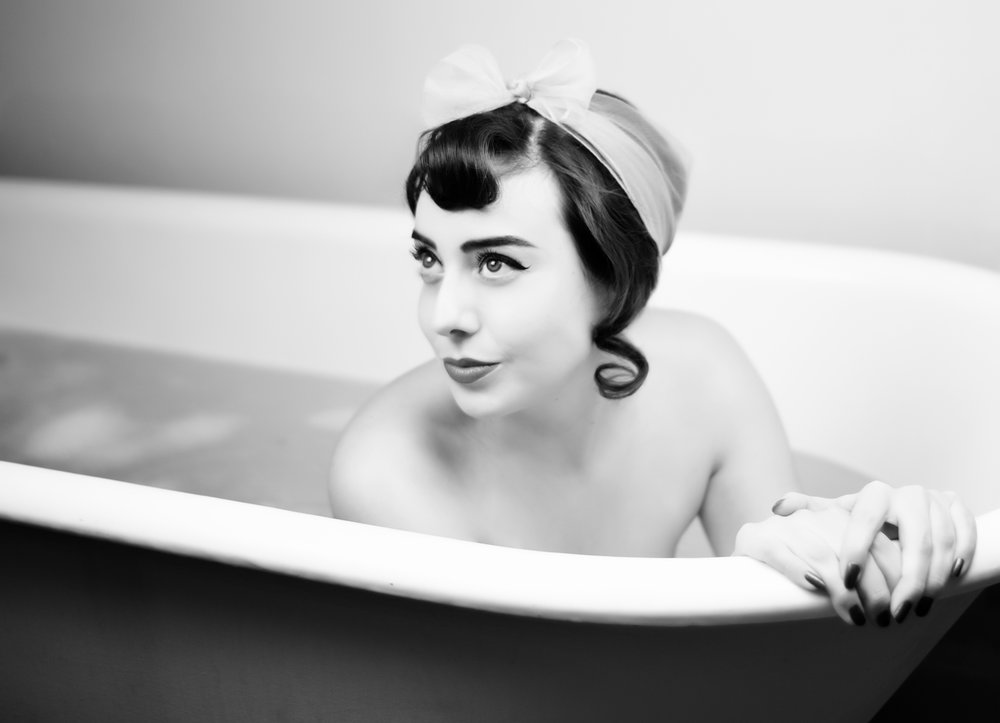Bathtub Boudoir Photographer in Denver La Photographie 04.jpg