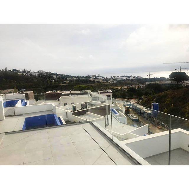 Happy weekend.  #villas #investment #здесь #вилла #роскошный  #costadelsol #lyxartiklar #Architecture #arkitektur #bosshomes #CostaDelGolf #propertiesforsale #luxuryhomes #luxurylifestyle # #hotproperties #bosshomes #пляж #infinitypool #Design #ContemporaryVillas #mijas #Marbella #Benalmadena #Sotogrande #Estepona  #bossluxury #puertobanus #autumn #Friday #November