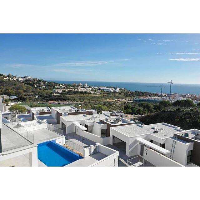🌊 #investment #здесь #вилла #роскошный  #costadelsol #lyxartiklar #Architecture #arkitektur #bosshomes #CostaDelGolf #propertiesforsale #luxuryhomes #luxurylifestyle # #hotproperties #bosshomes #пляж #infinitypool #Design #ContemporaryVillas #mijas #Marbella #Benalmadena #Sotogrande #Estepona  #bossluxury #puertobanus #autumn #November #Wednesday #sun. @marbs.vip #marbsvip