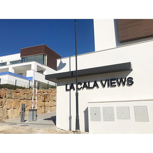We are back!  #investment #здесь #вилла #роскошный  #costadelsol #lyxartiklar #Architecture #happynewyear #bosshomes #CostaDelGolf #propertiesforsale #luxuryhomes #luxurylifestyle # #hotproperties #bosshomes #пляж #infinitypool #Design #ContemporaryVillas #mijas #Marbella #Benalmadena #Sotogrande #Estepona  #bossluxury #puertobanus #autumn #January #Tuesday #sun. @marbs.vip #marbsvip
