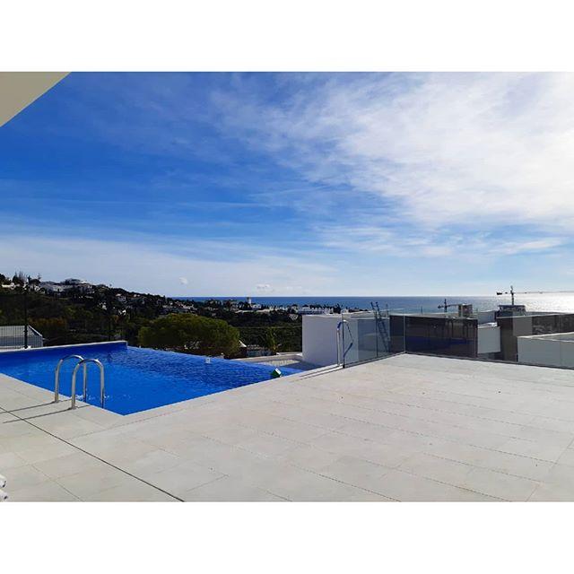 👋 . . .  #investment #здесь #вилла #роскошный  #costadelsol #lyxartiklar #Architecture #arkitektur #bosshomes #CostaDelGolf #propertiesforsale #luxuryhomes #luxurylifestyle # #hotproperties #bosshomes #пляж #infinitypool #Design #ContemporaryVillas #mijas #Marbella #Benalmadena #Sotogrande #Estepona  #bossluxury #puertobanus #winter #January #thursday  #sun @marbs.vip #marbsvip