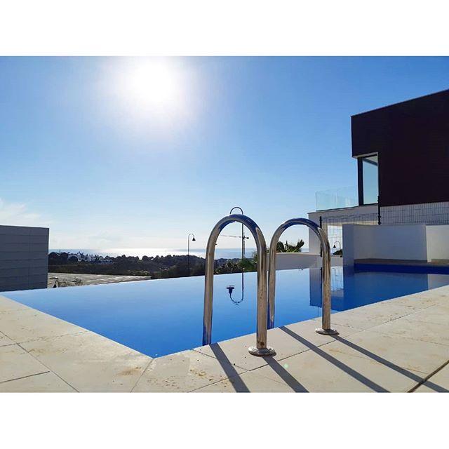 🌊 🌊 🌊 🌊  #investment #здесь #вилла #роскошный  #costadelsol #lyxartiklar #Architecture #TGIF #bosshomes #CostaDelGolf #propertiesforsale #luxuryhomes #luxurylifestyle # #hotproperties #bosshomes #пляж #infinitypool #Design #ContemporaryVillas #mijas #Marbella #Benalmadena #Sotogrande #Estepona  #bossluxury #puertobanus #winter #february #Friday #sun
