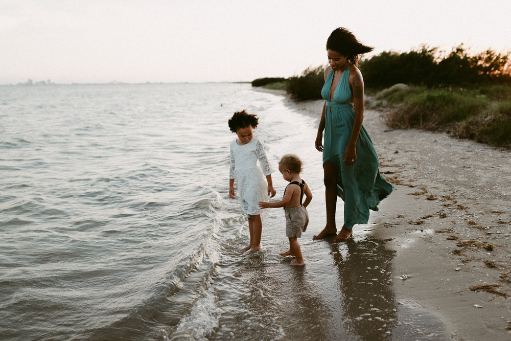 kerlyn-van-gelder-photography-corpus-christi-photographer-sunset-family-session-corpus-christi-bay