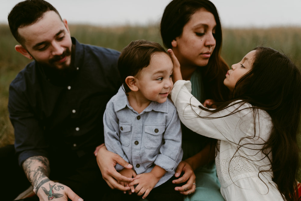 Kerlyn Van Gelder Photography specializes in intimate, emotive, storytelling sessions for motherhood portraiture, families, couples, and weddings! Traveler based in Corpus Christi, Texas.