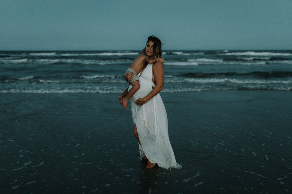 intimate motherhood maternity session corpus christi photographer kerlyn van gelder photography