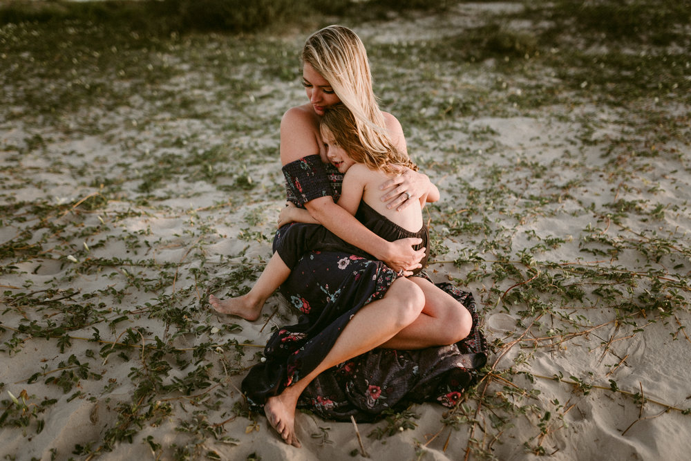 sunset-grassy-beach-blue-water-emotive-storytelling-session-kerlyn-van-gelder-photography-corpus-christi-photographer