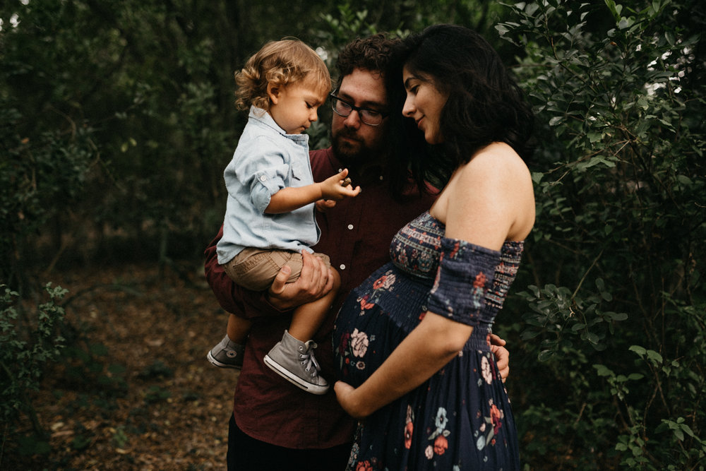 Forest-Woodsy-Family-Maternity-Rustic-Motherhood-Session-Kerlyn-Van-Gelder-Photography-Corpus-Christi-Photographer