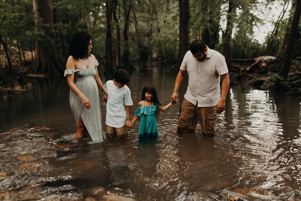 greenery-river-adventurous-family-session-cibolo-nature-center-kerlyn-van-gelder-san-antonio-photographer-corpus-christi-photographer
