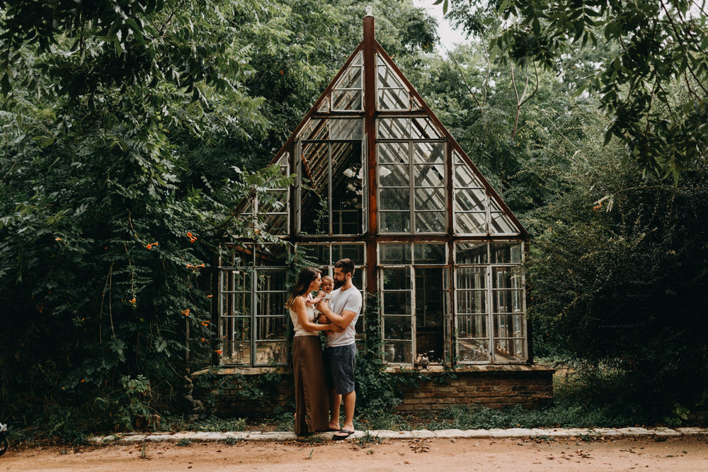 Sekrit-Theater-Greenhouse-Family-Session-Greenery-Vines-Flowers-Kerlyn-Van-Gelder-Photography-Austin-Photographer