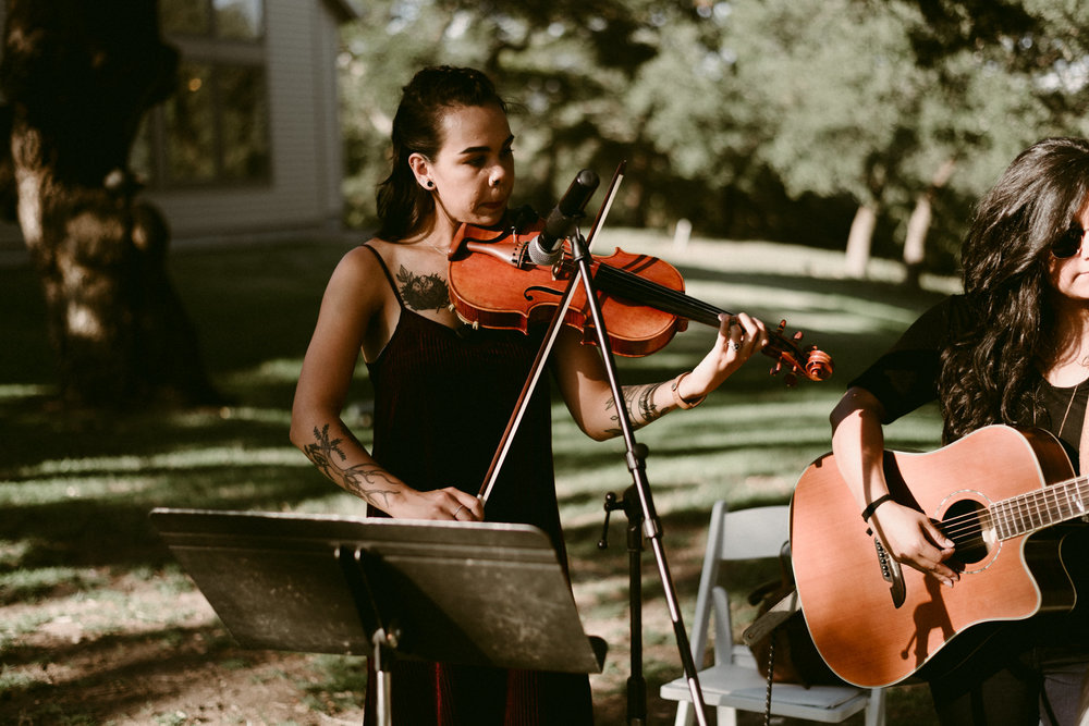 Intimate-Cathedral-Oaks-Wedding-Ceremony-Violin-Musician-Kerlyn-Van-Gelder-Photography-Austin-Wedding-Photographer