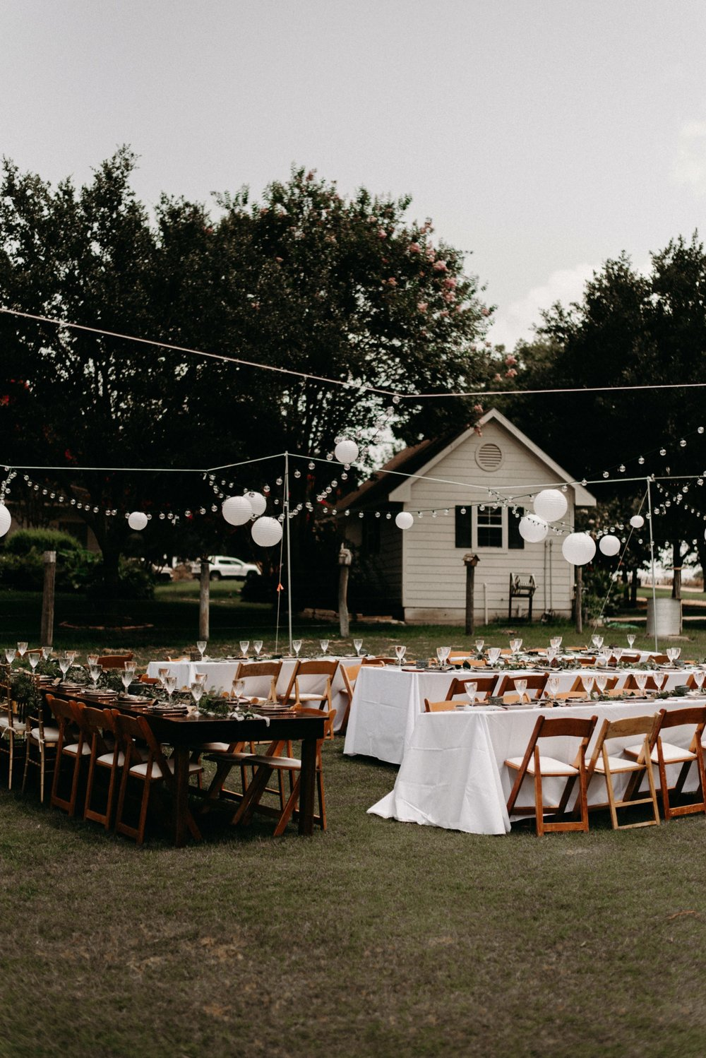 cottages-on-mill-creek-vintage-bohemian-floral-greenery-lakeside-intimate-houston-wedding-kerlyn-van-gelder-photography-wedding-photographer
