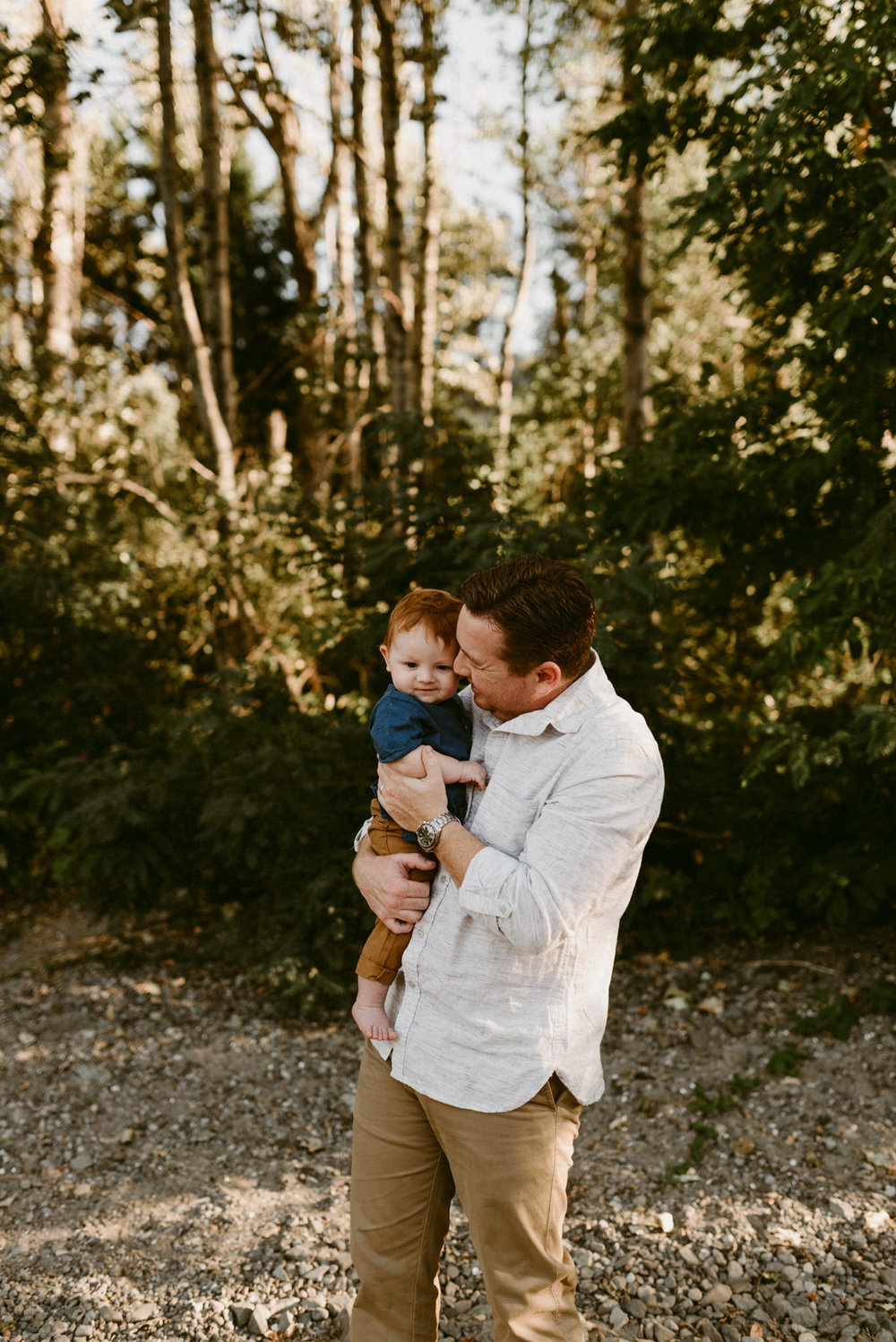 Columbia-River-Gorge-Adventurous-Intimate-Family-Session-Kerlyn-Van-Gelder-Photography-Portland-Oregon-Family-Photographer
