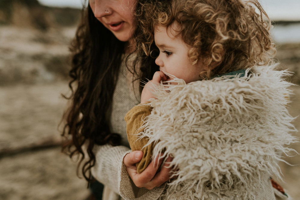 storytelling-intimate-emotive-cloudy-seaside-boho-family-session-pescadero-state-beach-san-francisco-family-photographer-kerlyn-van-gelder-photography