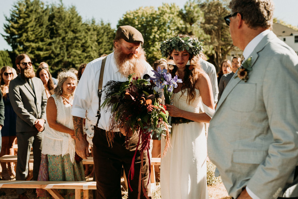 magical-bohemian-barnhouse-greenery-port-angeles-washington-forest-seaside-grassy-wedding-Kerlyn-Van-Gelder-Photography-Washington-Wedding-Photographer