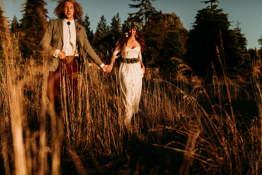 magical-bohemian-sunset-greenery-port-angeles-washington-forest-seaside-grassy-backyard-wedding-Kerlyn-Van-Gelder-Photography-Washington-Wedding-Photographer
