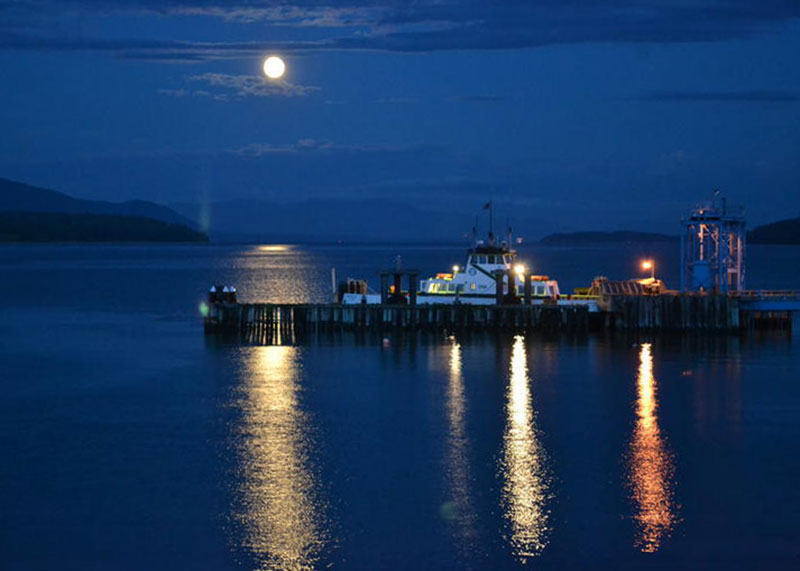 Karen-Myers-Barker-strawberry-moon-lummi-ferry.JPG