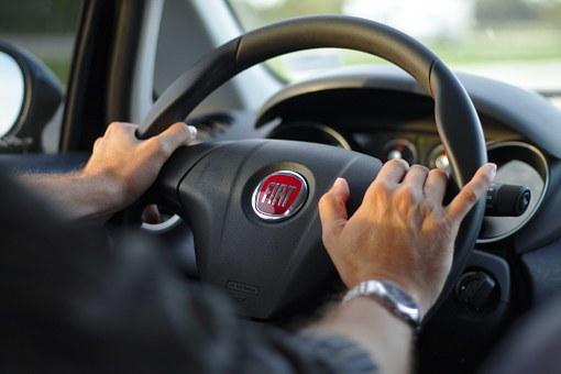 driving-343056__340.jpg