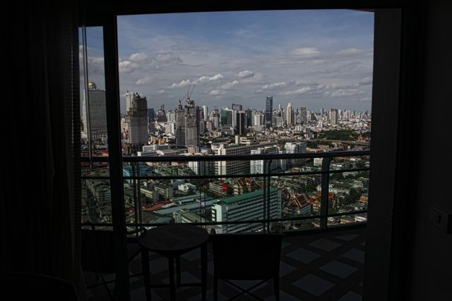 4 cRoom with a View Chatrium Riverside Bankok.jpg