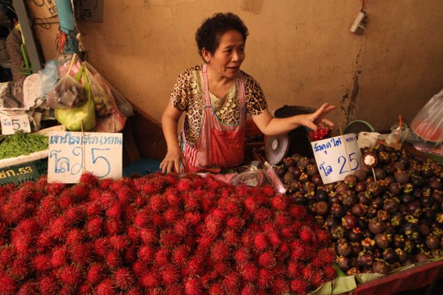 Passion Fruit vendor.jpg