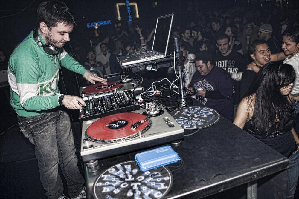 DJ AM.jpg